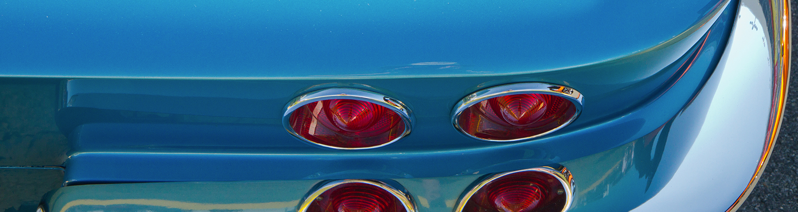 corvette-taillight-header